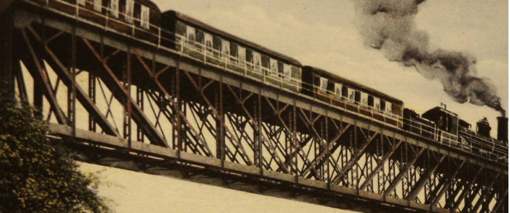 Die Eisenbahn auf der Fahrt von Schaffhausen nach Feuerthalen um 1910.