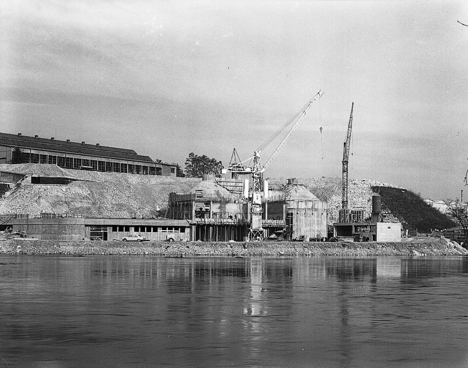 Die Kläranlage Röti 1966 im Bau.